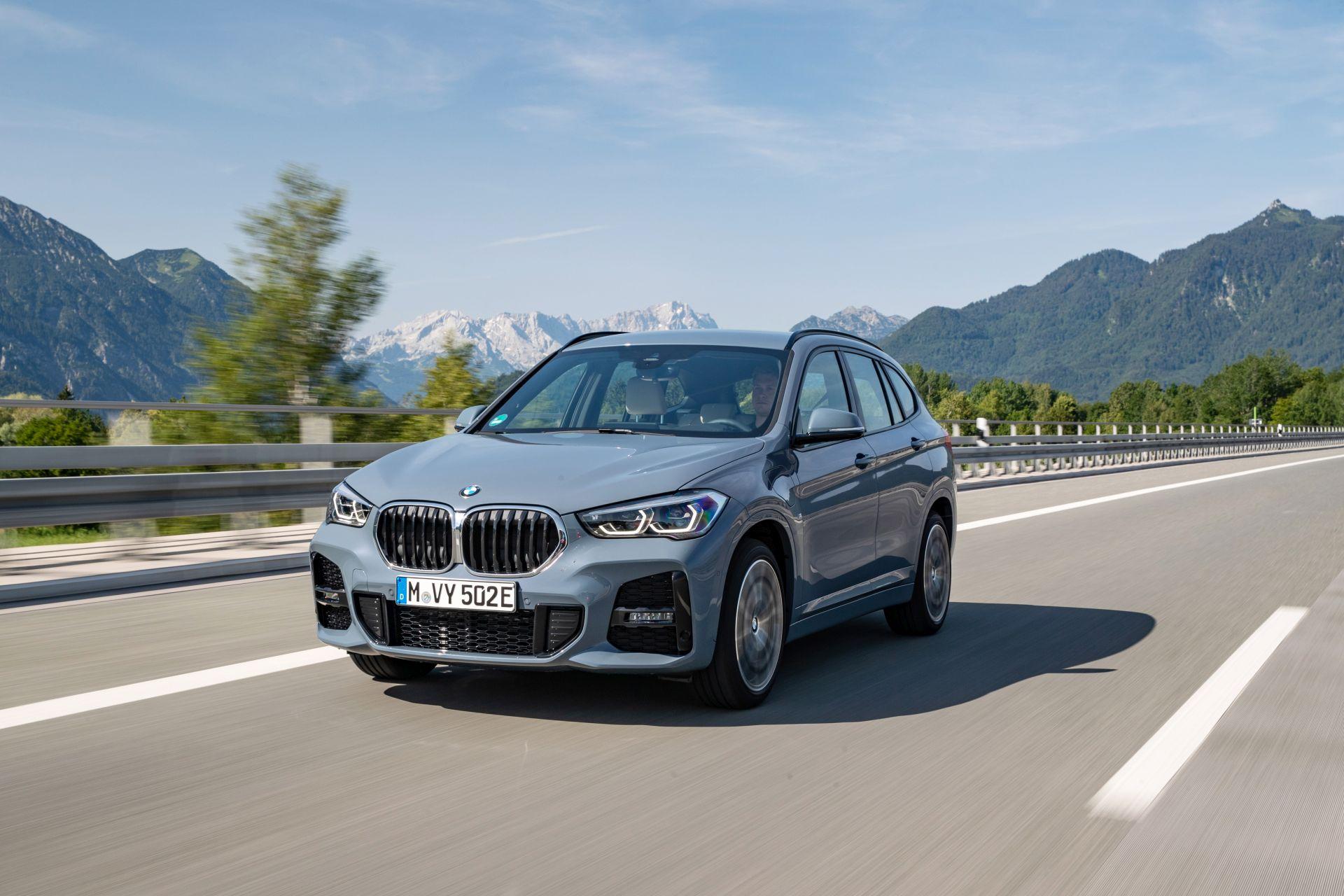 2020 BMW X1 xDrive25e 36