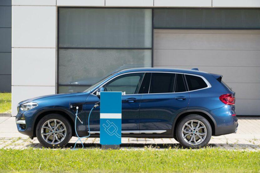 2020 BMW X3 xDrive30e hybrid 11 830x553