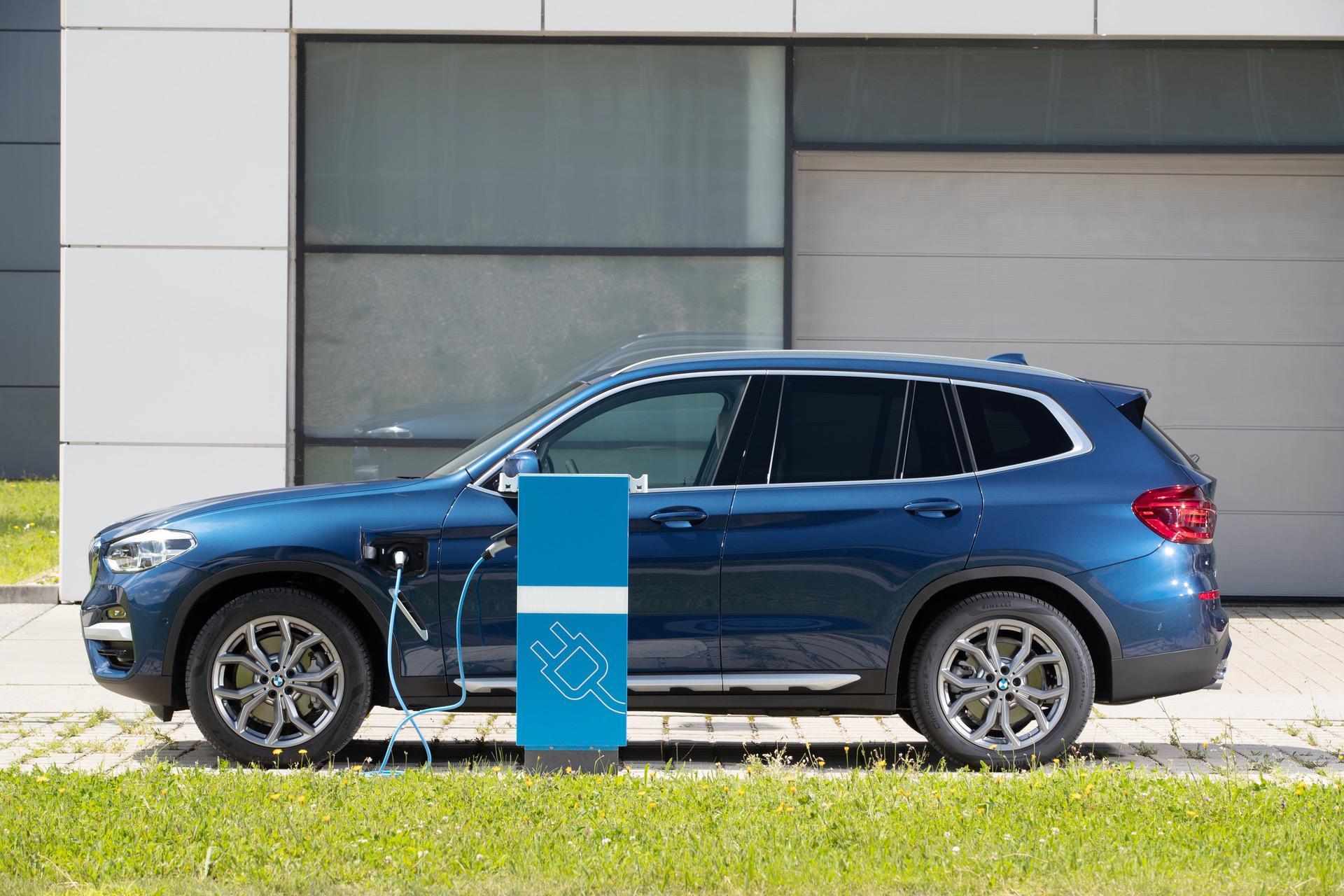 2020 BMW X3 xDrive30e hybrid 11