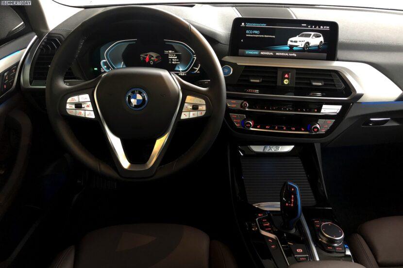 2021 BMW iX3 Interieur Live Fotos Elektro X3 01 830x552