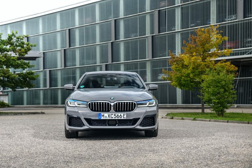 2021 bmw 545e photos 01 830x553