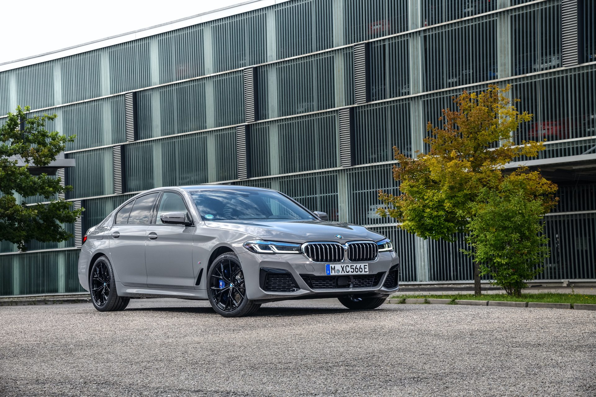 2021 bmw 545e first real life photos straight from germany
