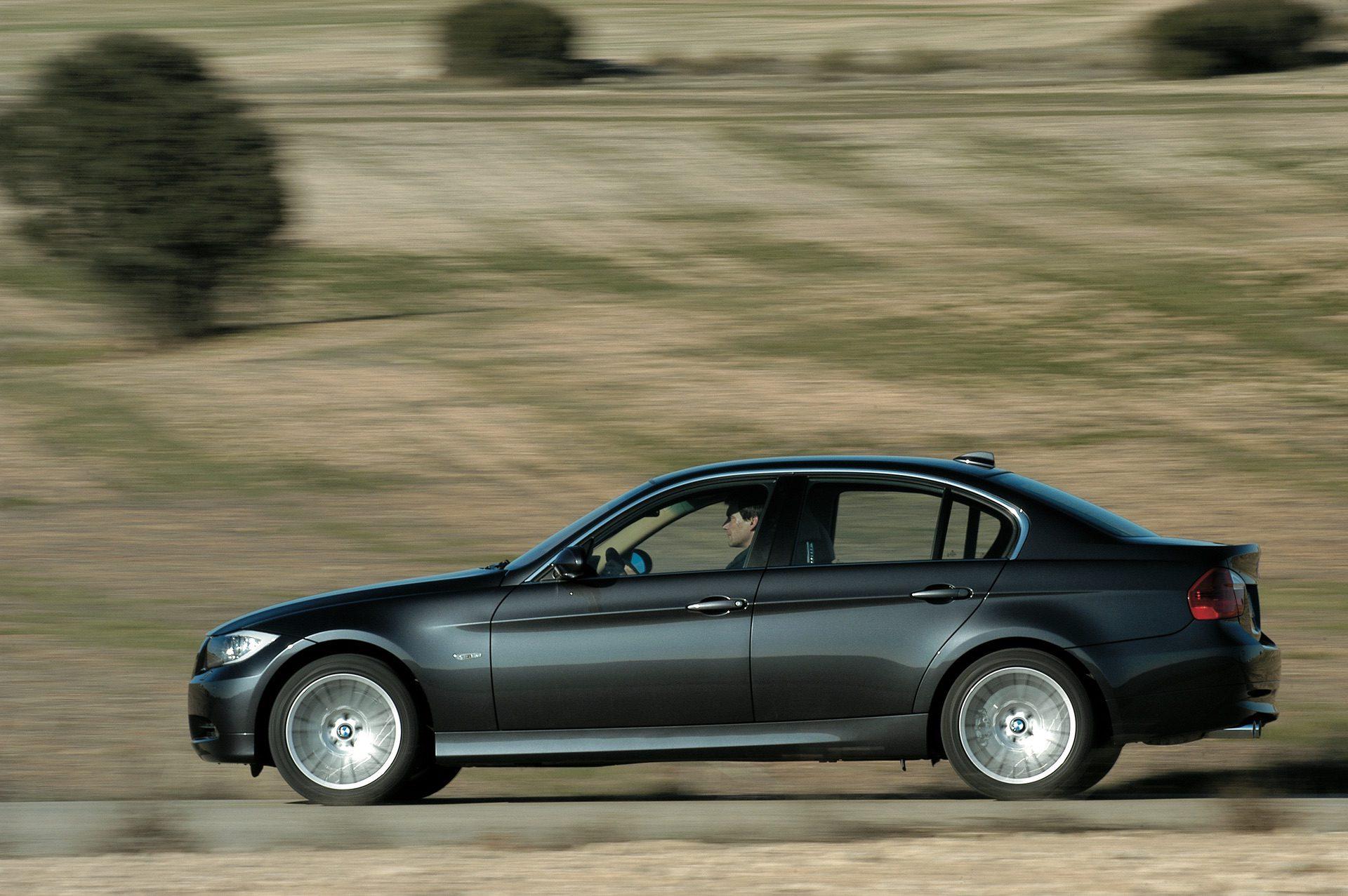 BMW E90 3 Series 04
