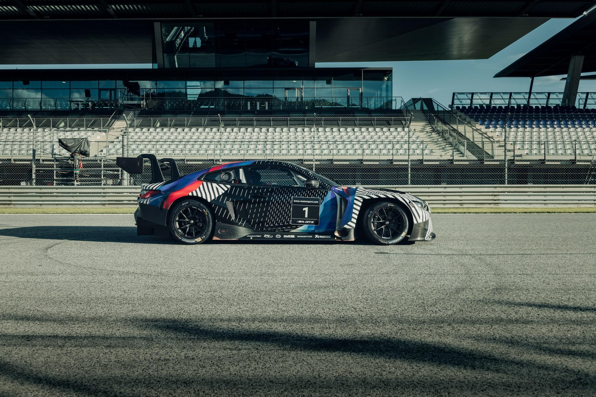 2020 - [BMW] M3/M4 - Page 19 BMW-M4-Coupe-and-BMW-M4-GT3-11