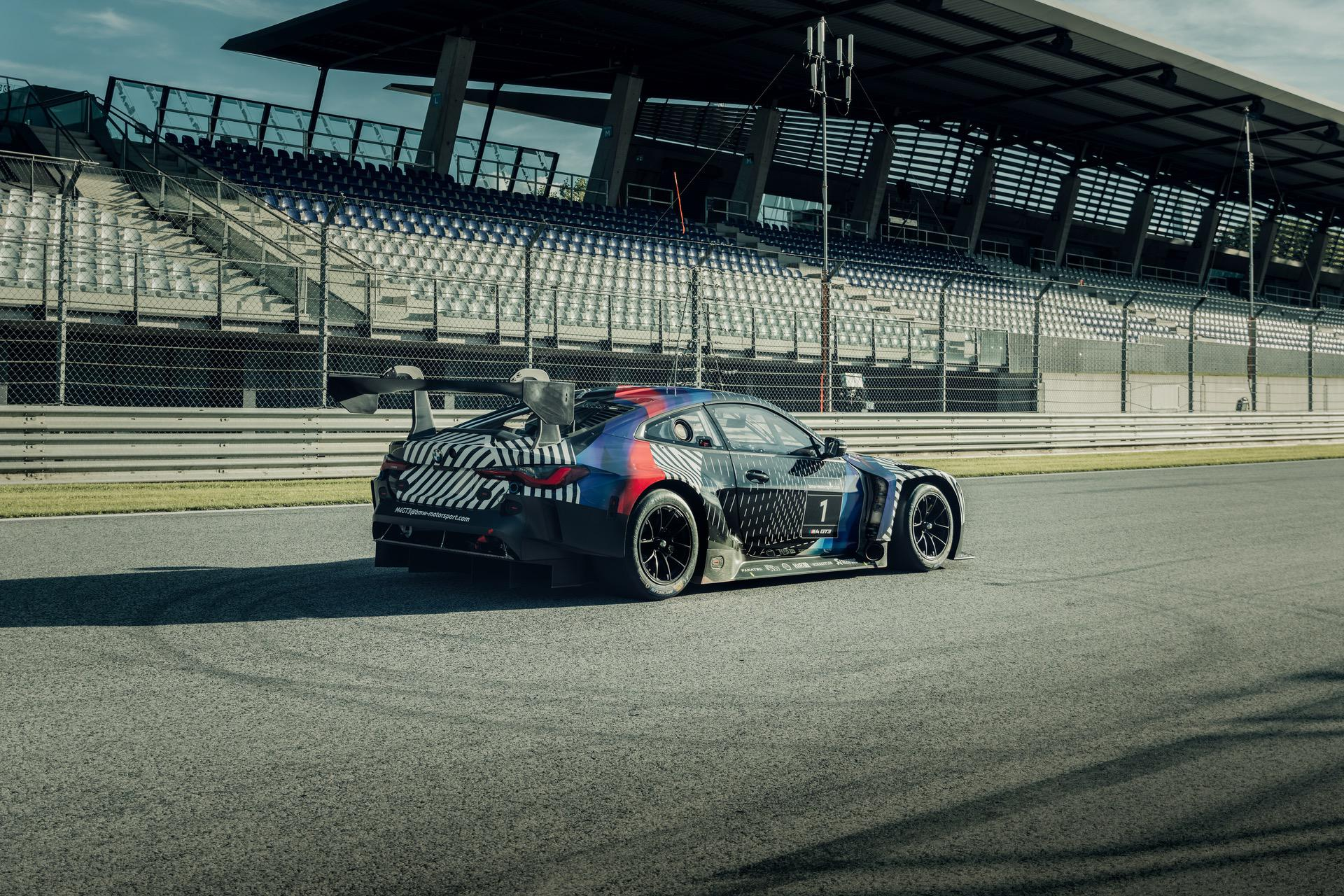 2020 - [BMW] M3/M4 - Page 19 BMW-M4-Coupe-and-BMW-M4-GT3-12