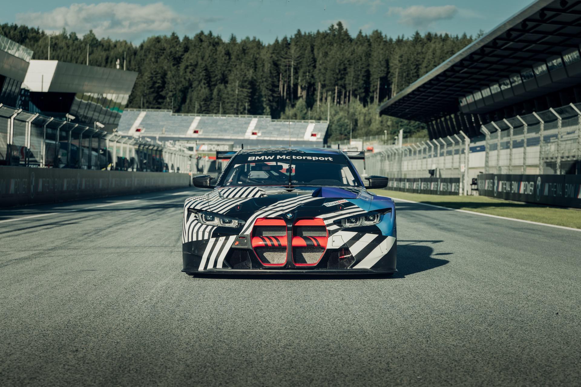 BMW M4 Coupé et BMW M4 GT3 13