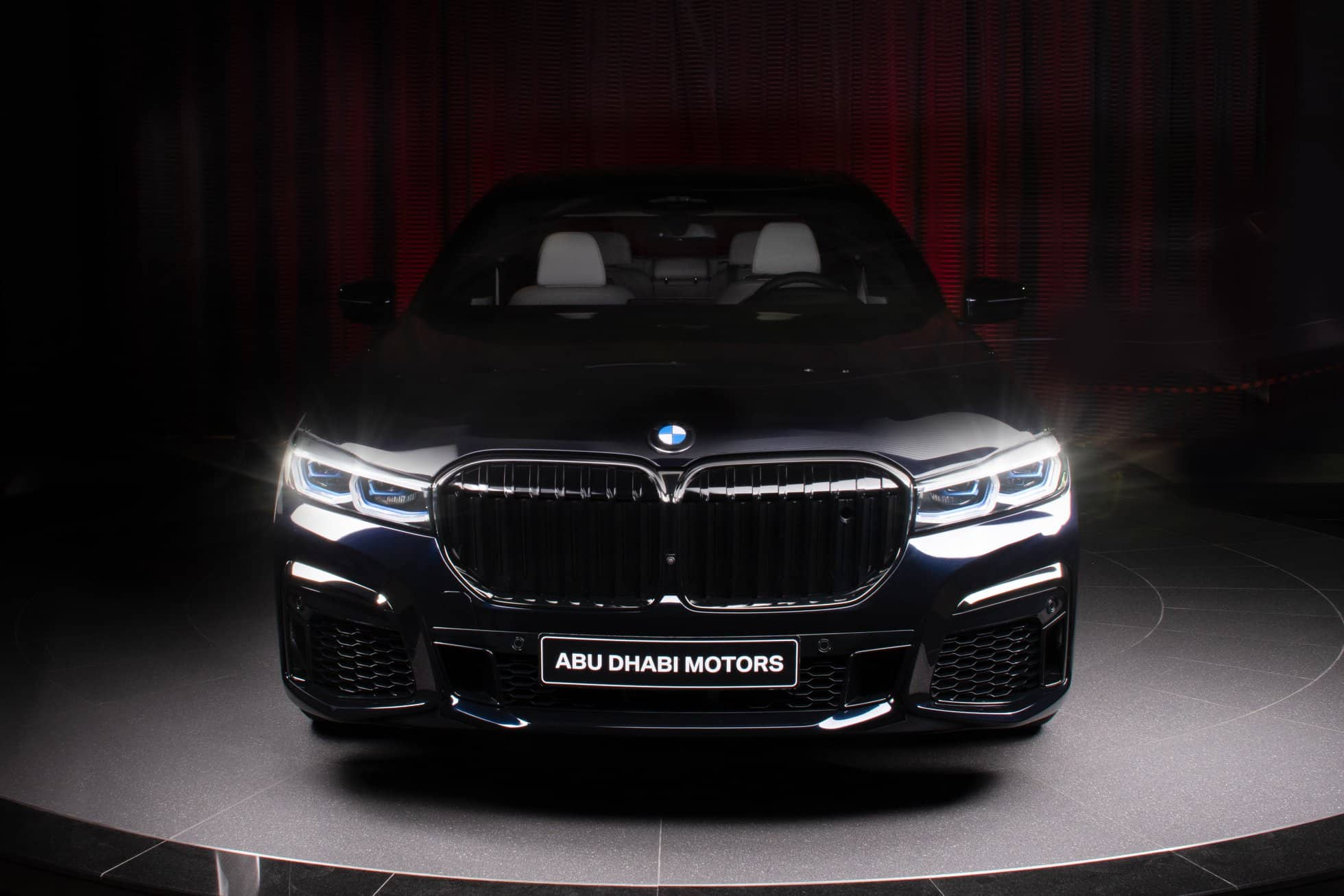 BMW M760Li xDrive V12 G12 LCI in Carbon Black metallic 1