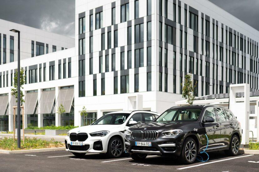 BMW X1 xDrive25e BMW X3 xDrive30e 00 830x553