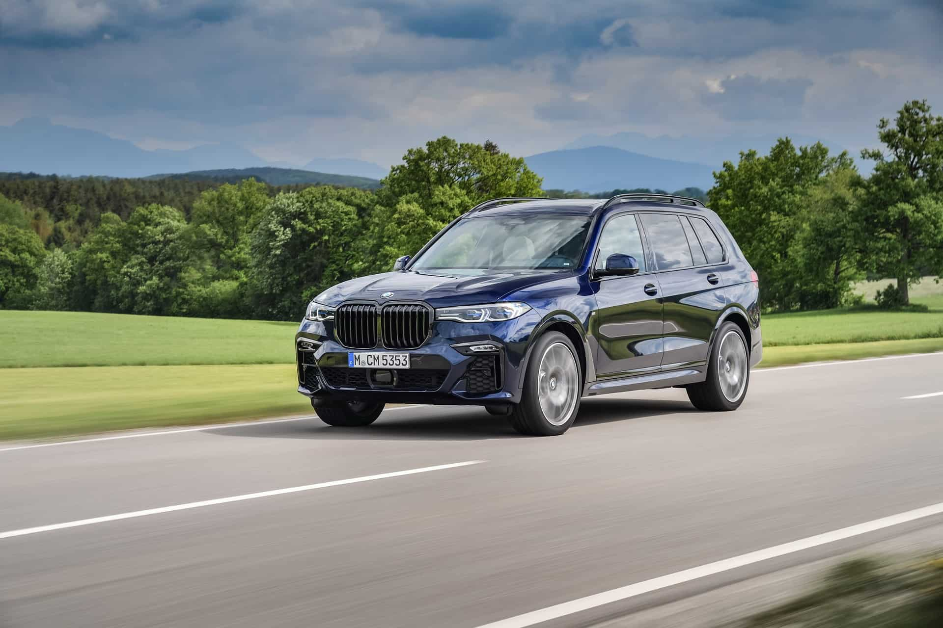 BMW X7 M50i Individual G07 in Tanzanite Blue 15