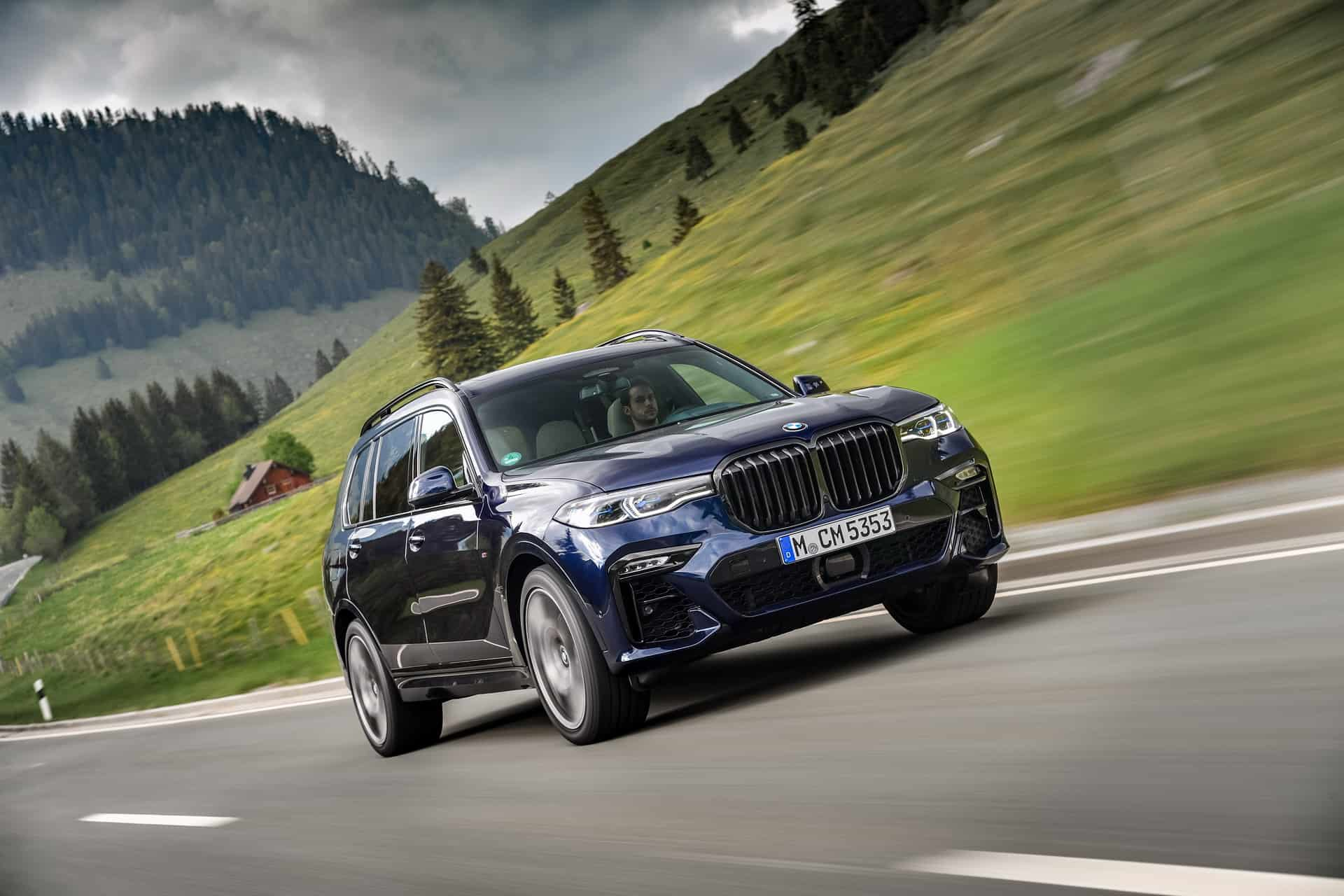 BMW X7 M50i Individual G07 in Tanzanite Blue 18