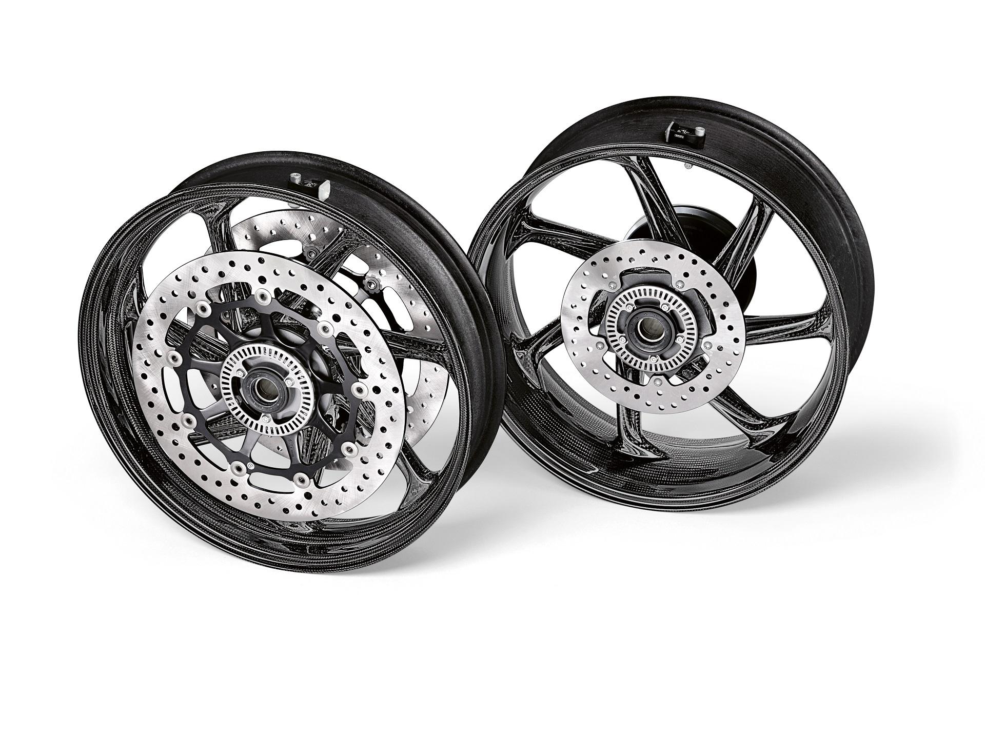 P90395862 highRes m performance carbon