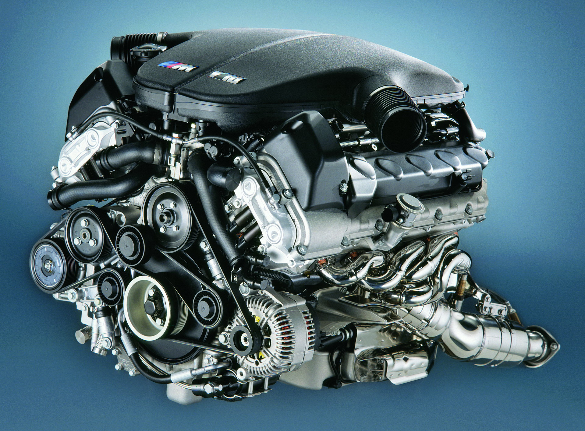 The BMW S85 V10 engine 1