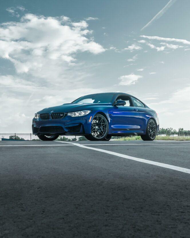 Velvet Blue BMW M4 Heritage 04 664x830