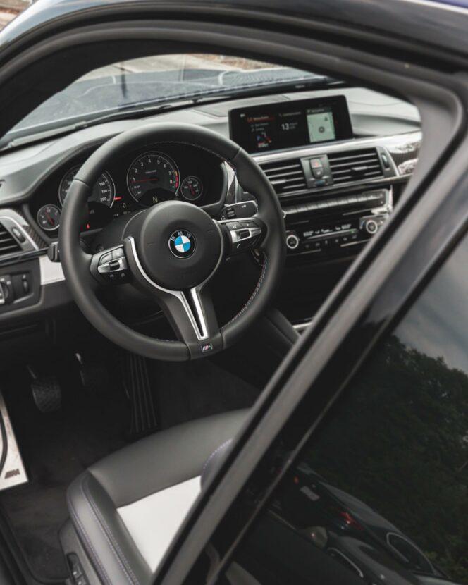 Velvet Blue BMW M4 Heritage 08 664x830