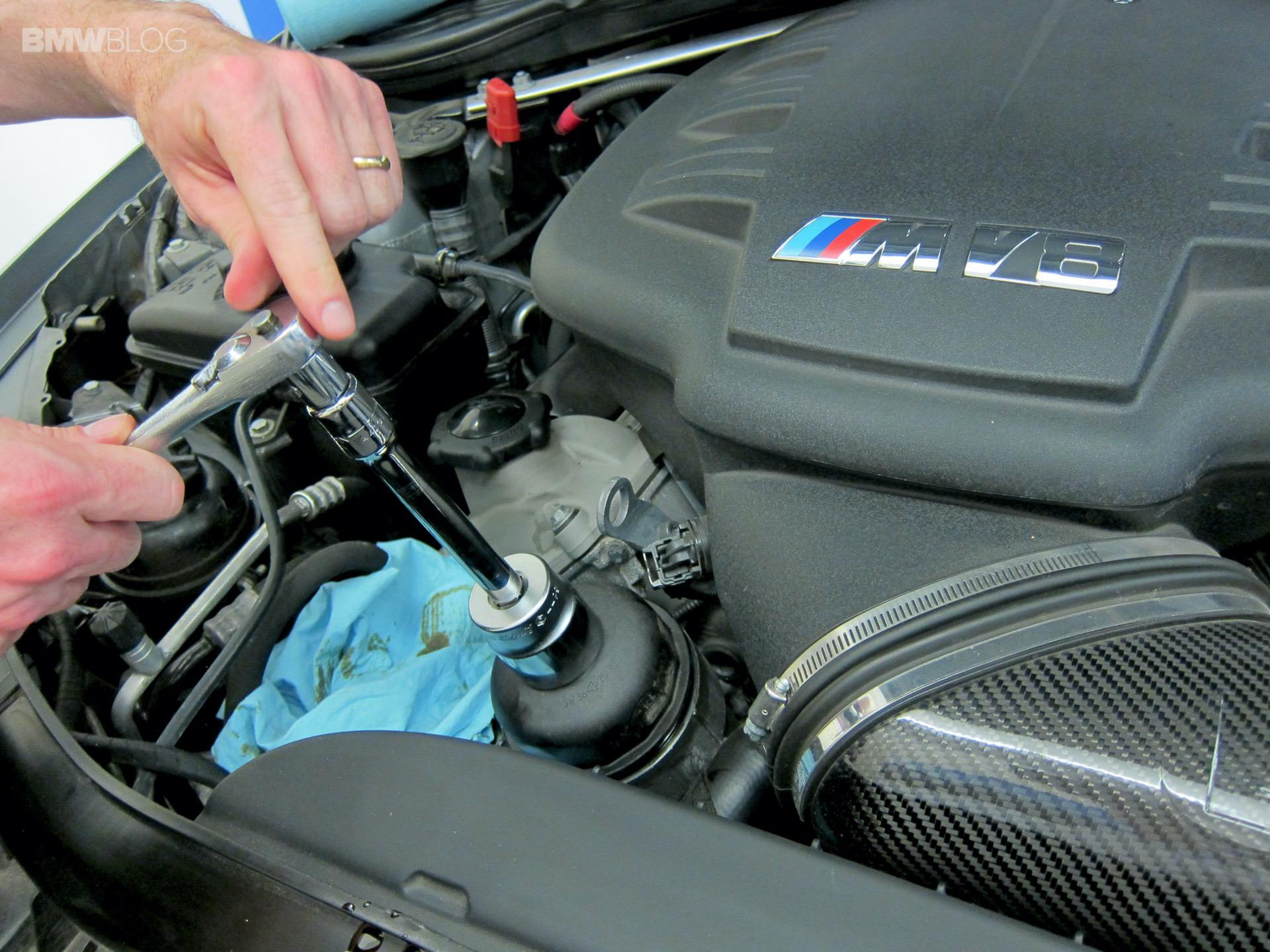 bmw oil change cost 00