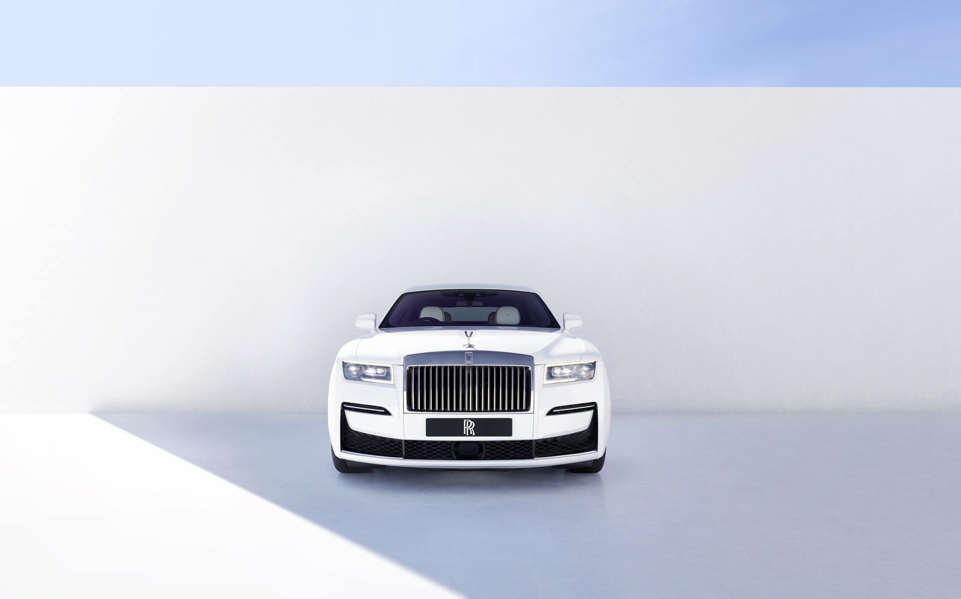 new 2021 rolls royce ghost 02