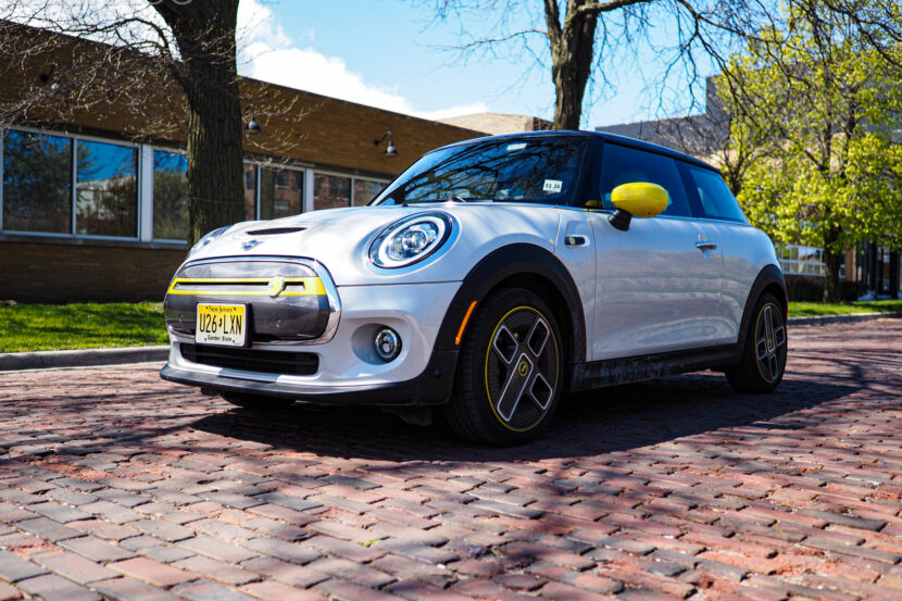 2020 mini cooper se electric 17 830x553