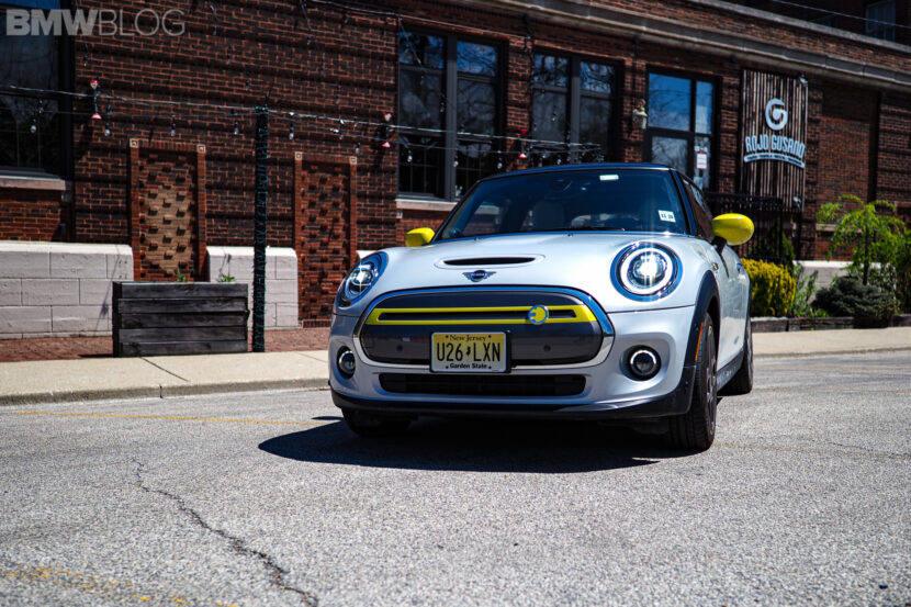 2020 mini cooper se electric 3 830x553