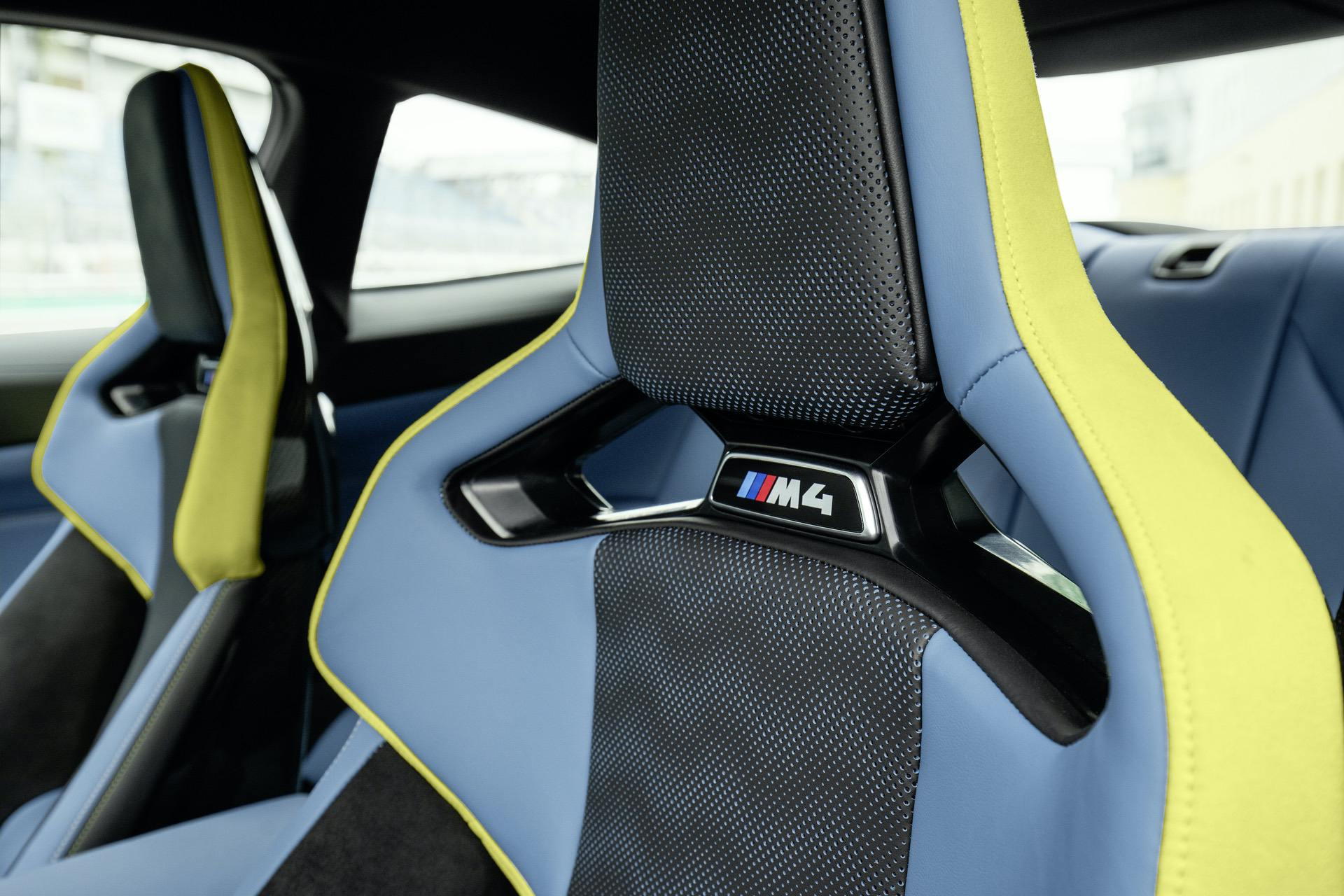 [Image: 2021-bmw-m4-competition-interior-02.jpg]
