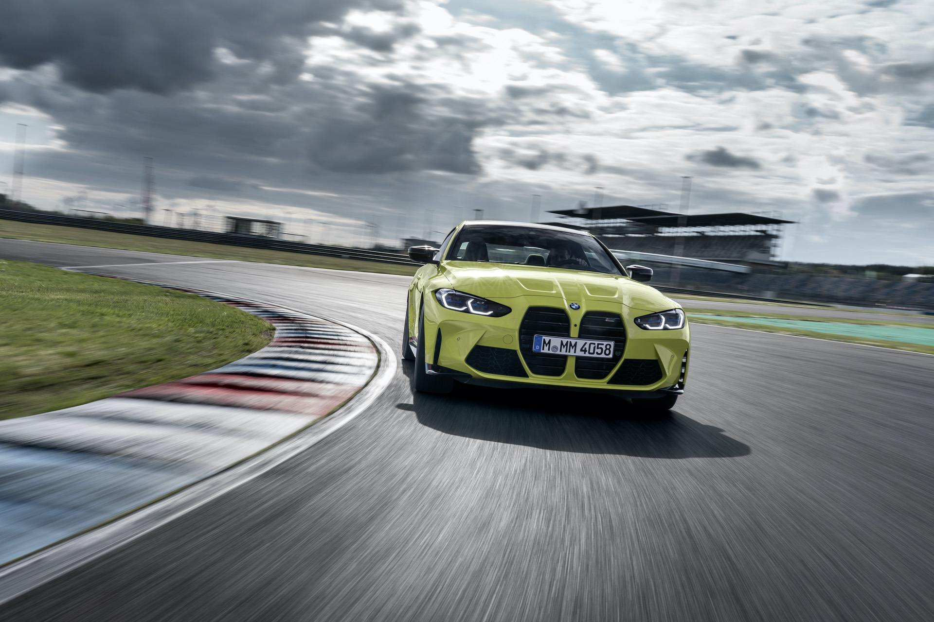 2021 bmw m4 competition race track 24