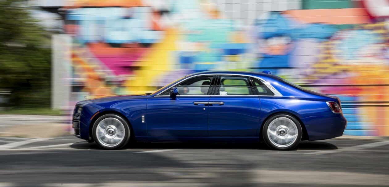 Test Drive 2021 Rolls Royce Ghost Post Opulent Minimalistic And Exciting Engineering