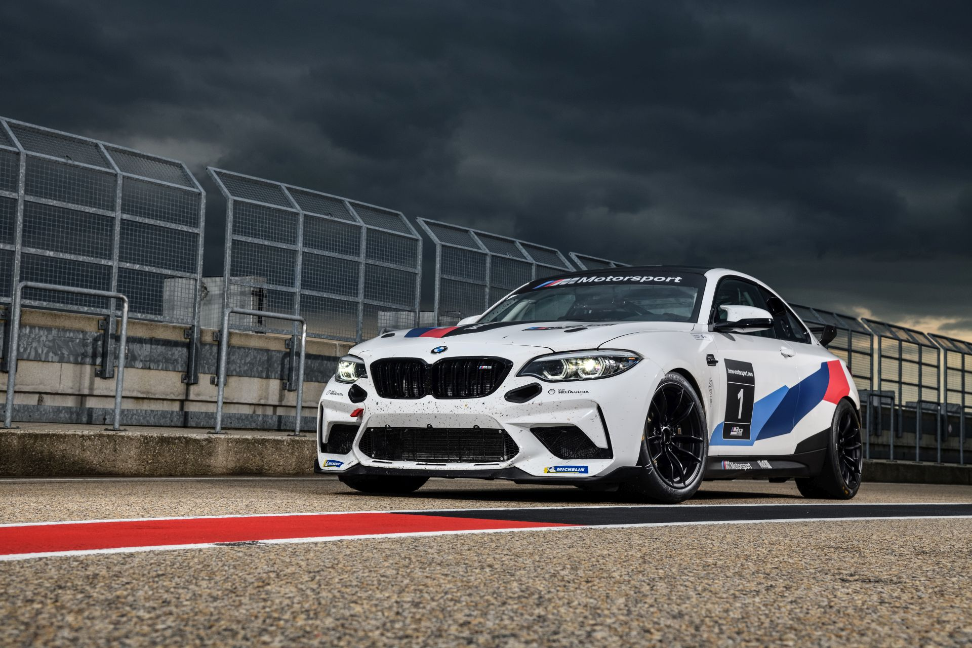 BMW M2 CS Racing 27