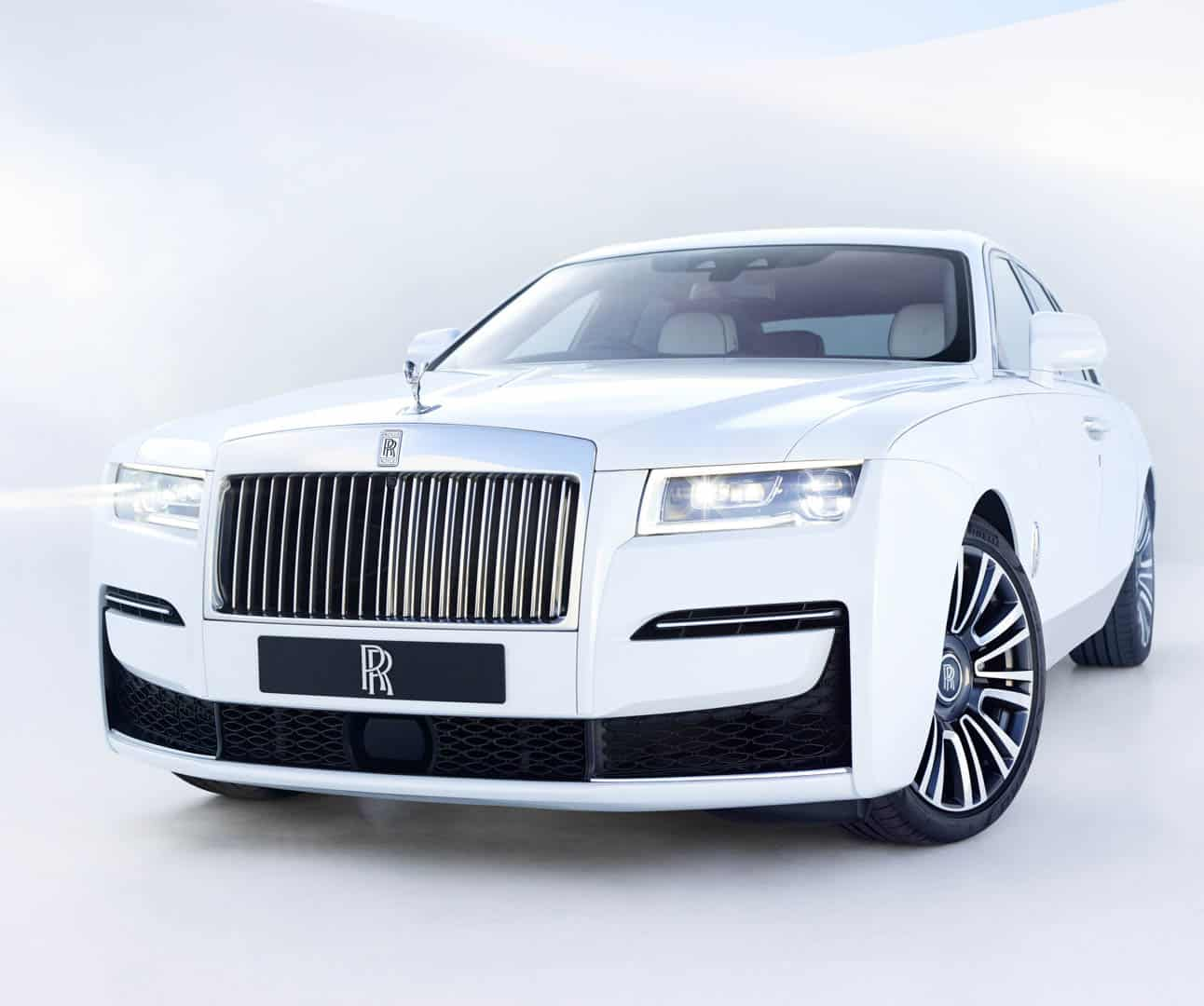 Rolls Royce Ghost Comparison 4