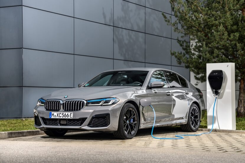 The new BMW 545e xDrive Sedan G30 LCI 1 830x553