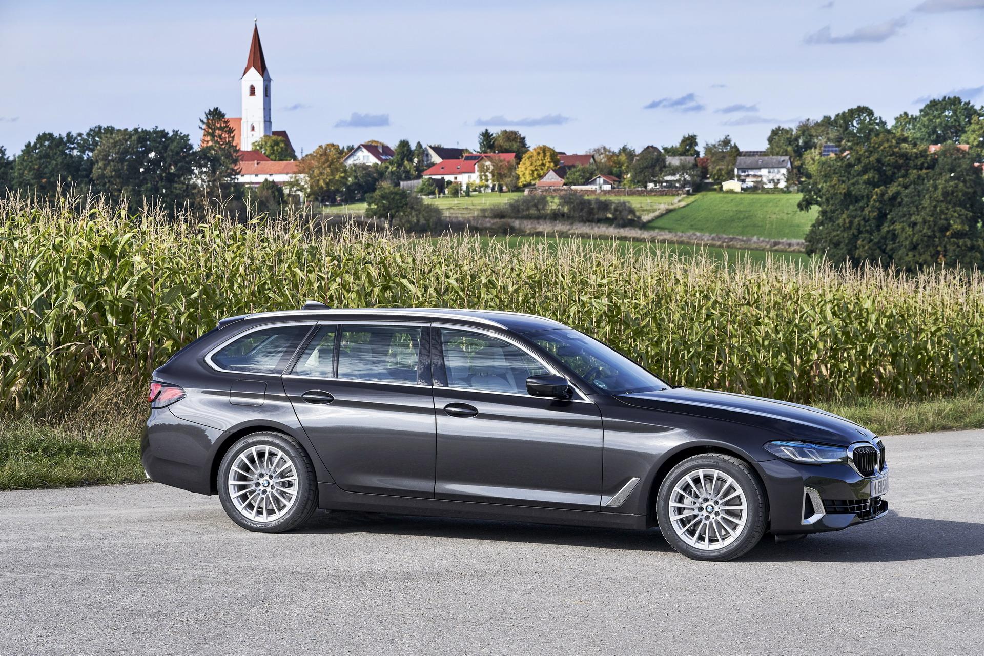 2021 BMW 530d xDrive Touring LCI 15