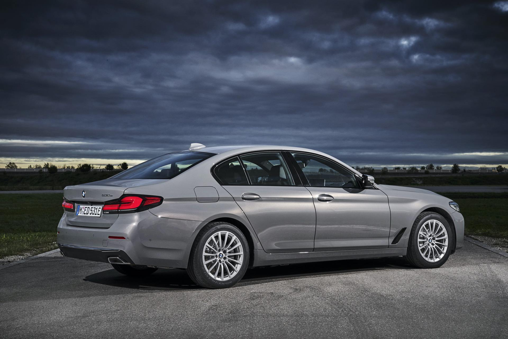 2021 BMW 530e Facelift - New Photo Gallery