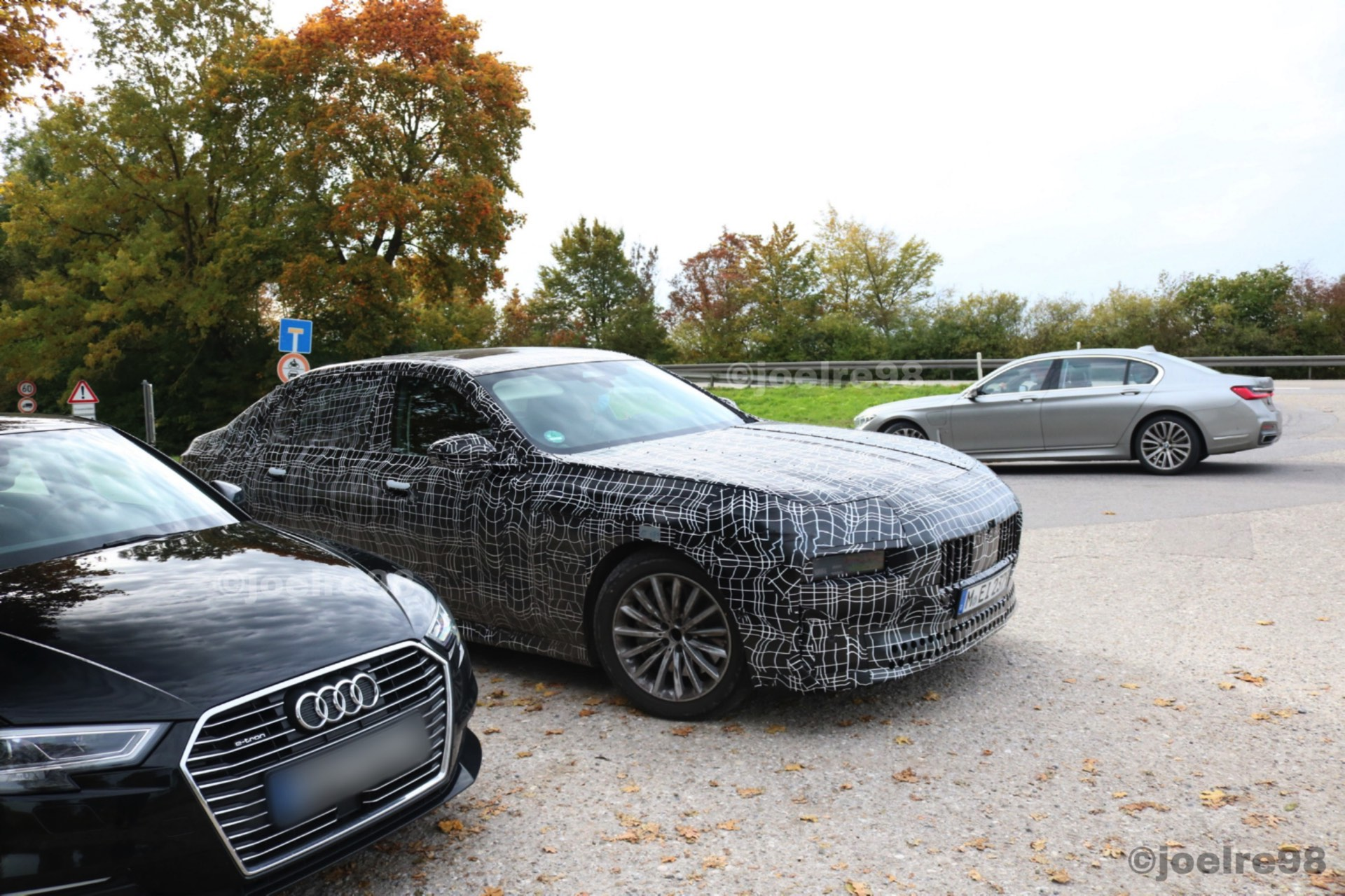 SPIED: Next-Gen BMW 7 Series Spotted with Old-School Design Elements