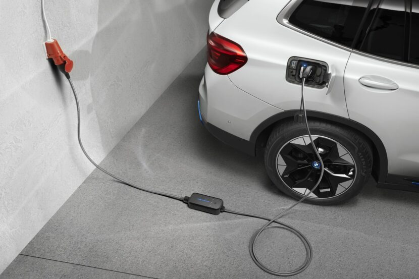 BMW iX3 Services and charging 1 830x553