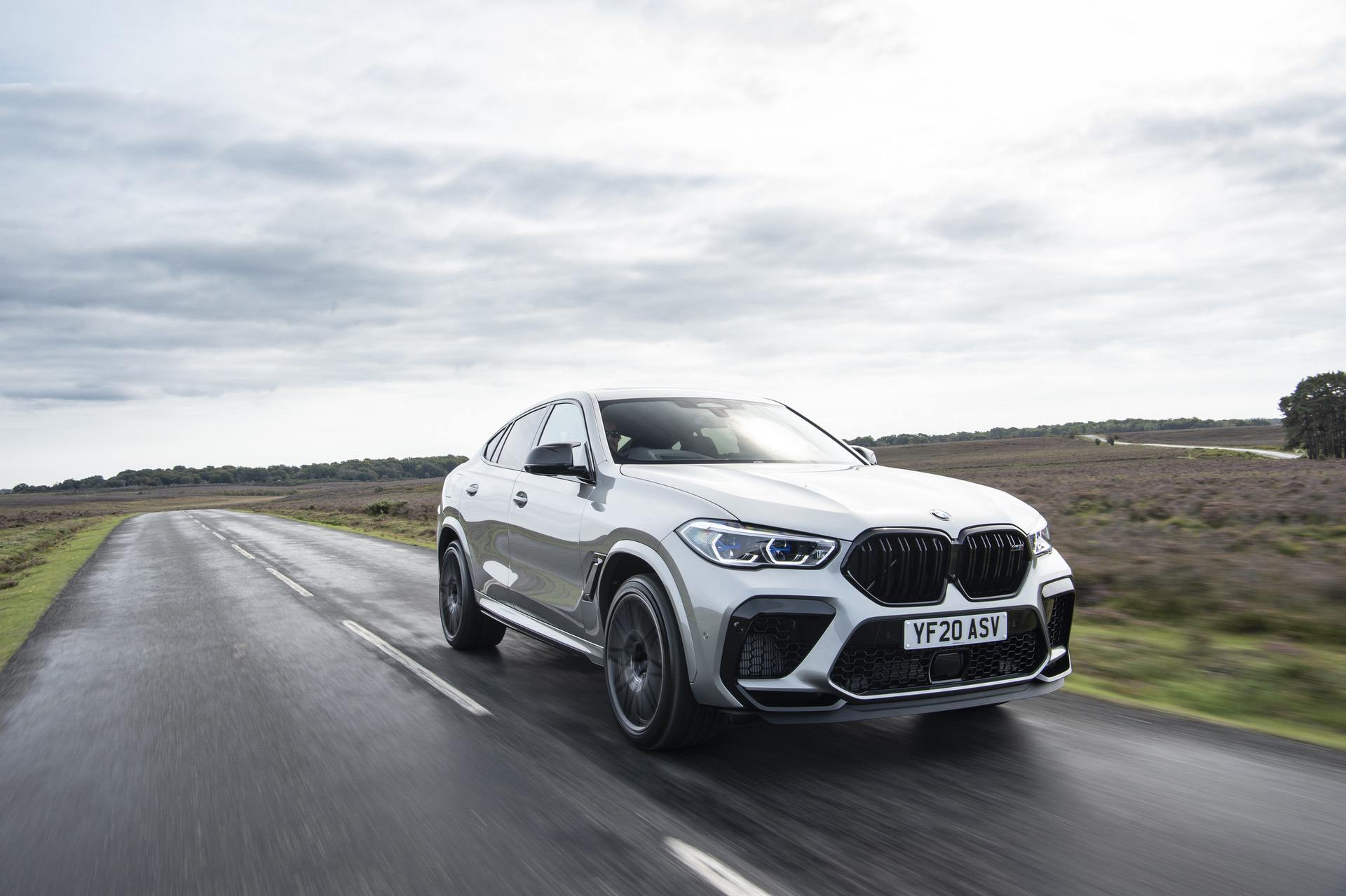 2021 bmw x6m Donington Grey metallic 02