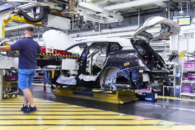 2022 bmw ix production 05 830x553
