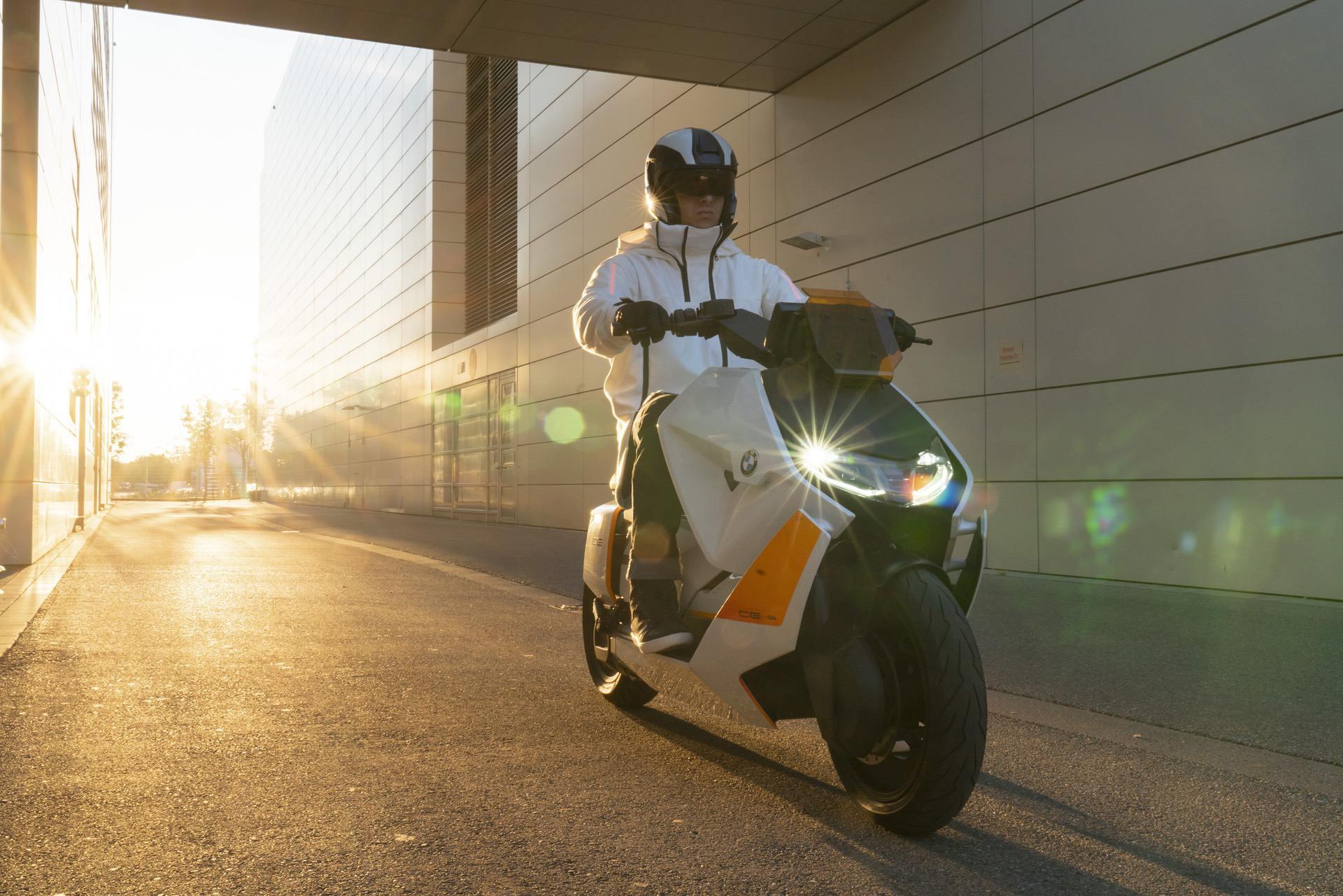 BMW Motorrad Definition CE 04 00