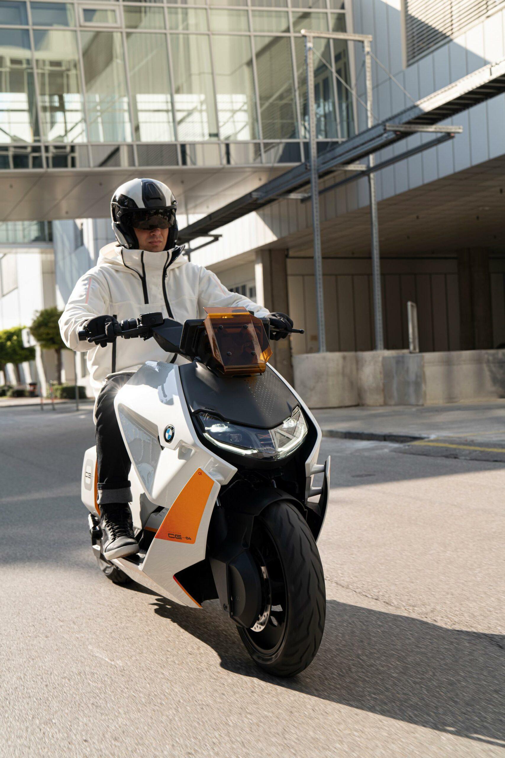 BMW Motorrad Definition CE 04 35 scaled