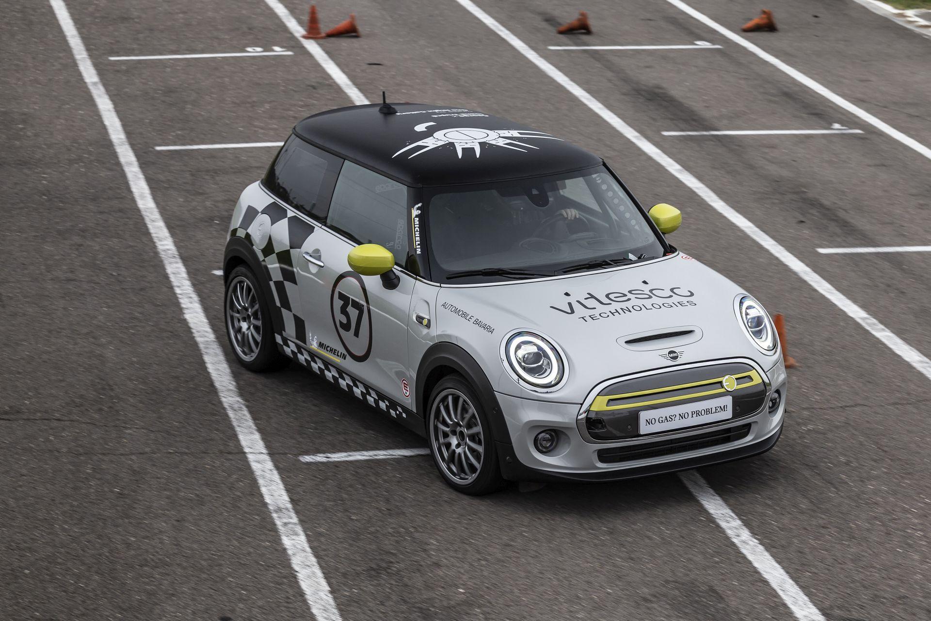 MINI Electric Racing Car 33