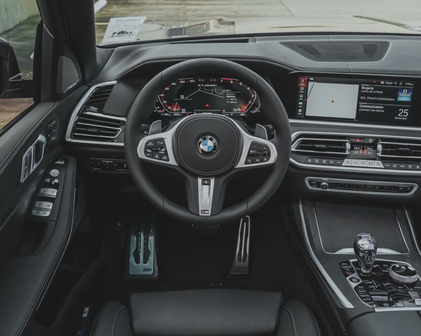 2021 BMW X7 M50i Grigio Telesto Pearl Metallic 11 830x664