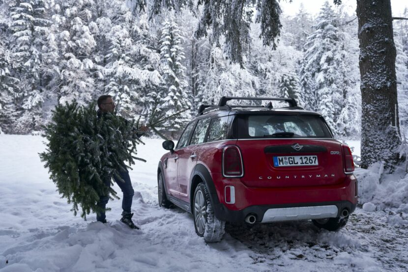 MINI Countryman Christmas Tree 32 830x554