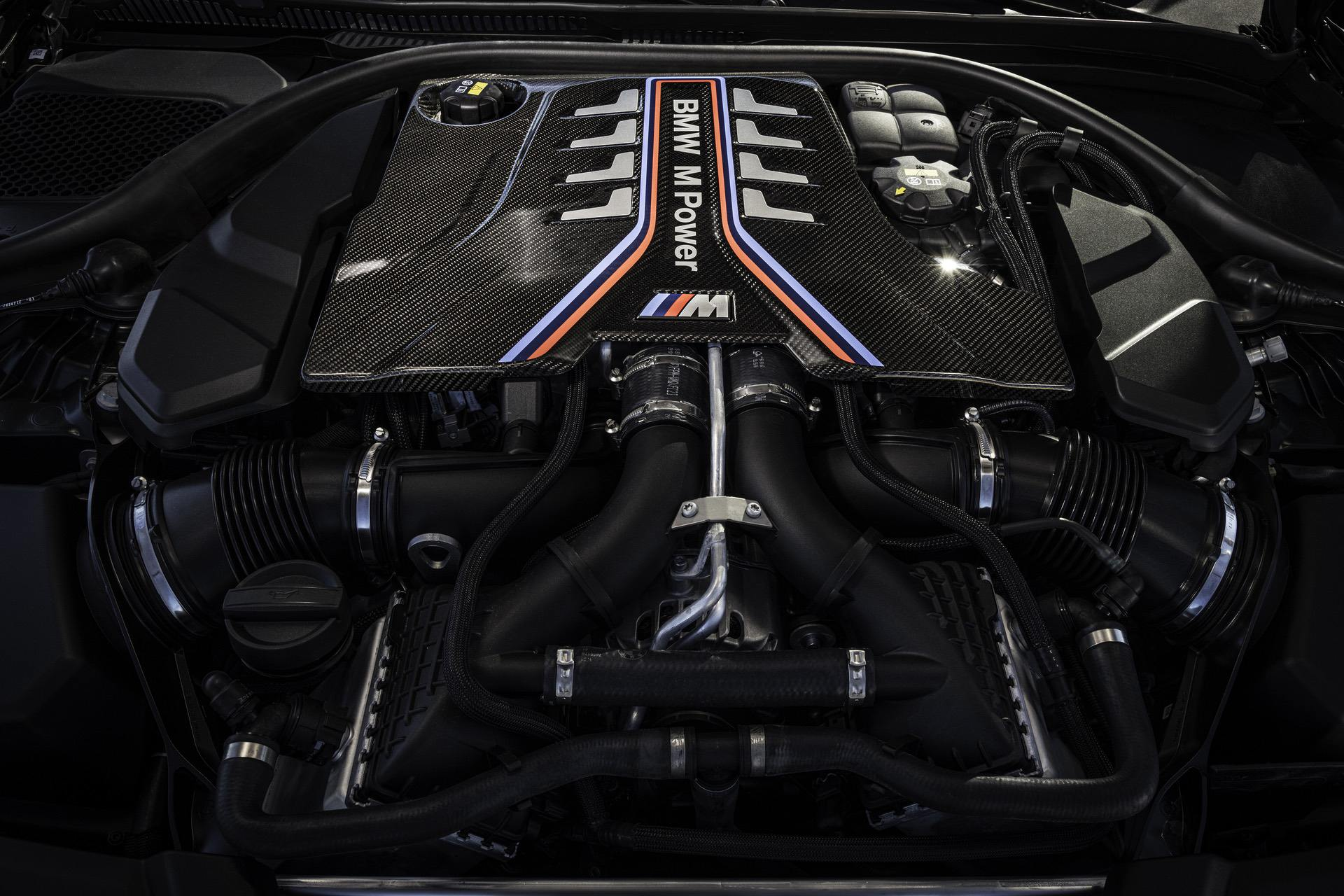 2021 bmw m5 cs engine 01
