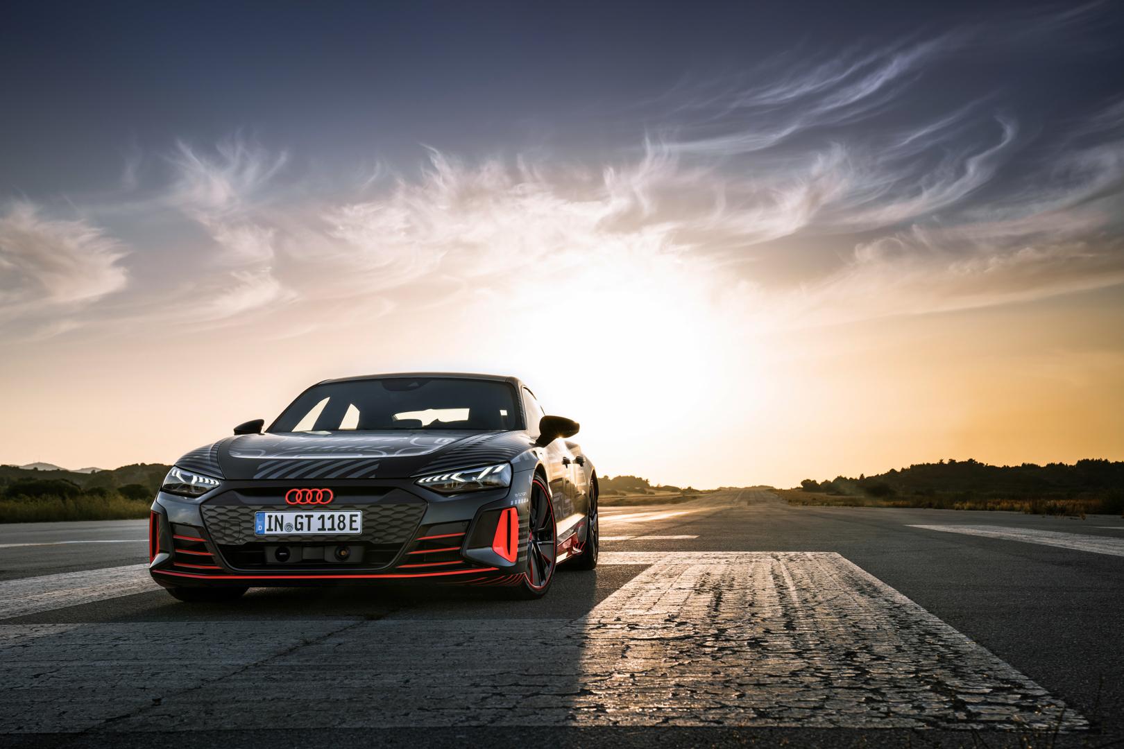 Audi хочет отказаться от внутреннего сгорания к 2040 году — сможет ли BMW последовать этому примеру?