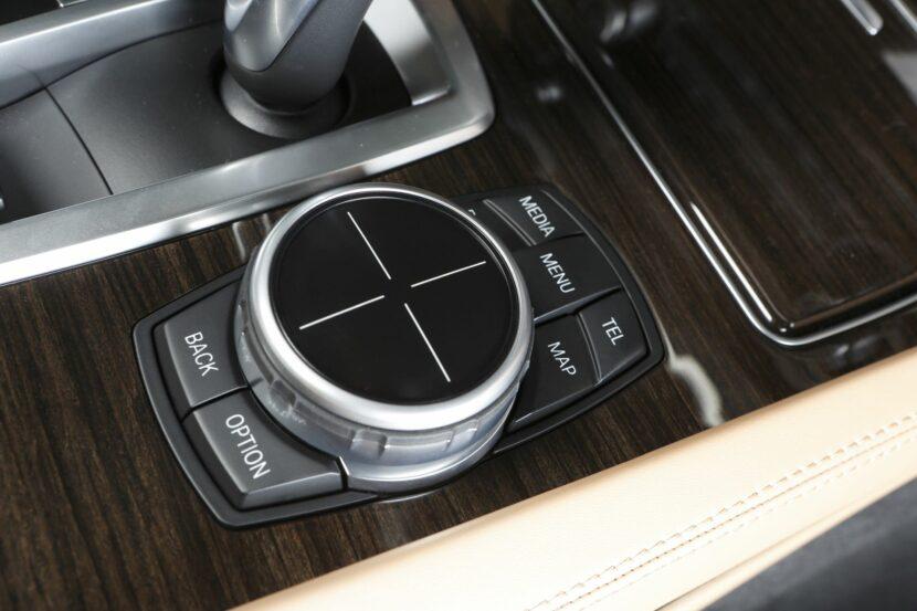 Видео: BMW создает забавное видео о прошлом и будущем iDrive