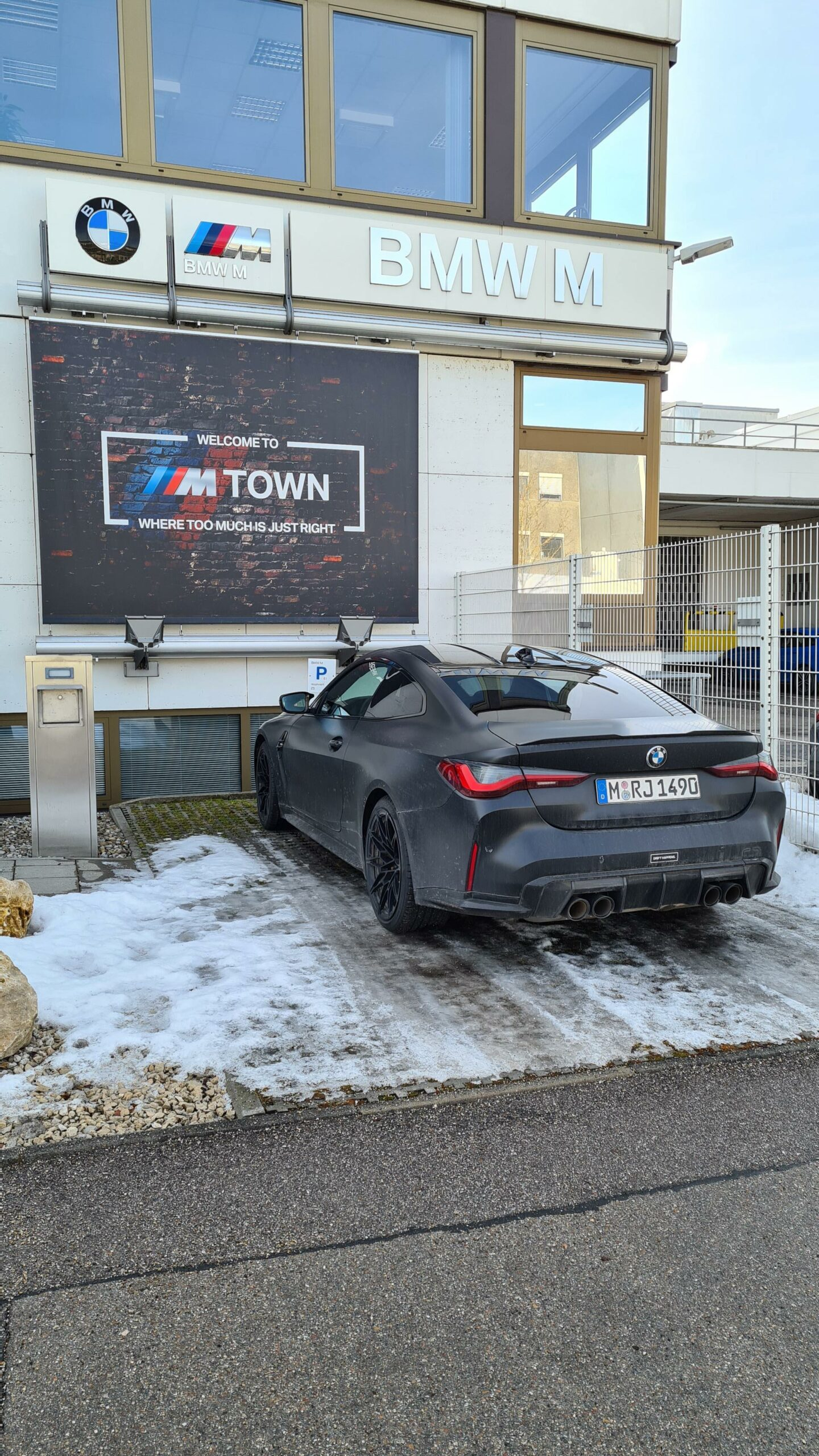bmw m4 g82 frozen black 00 scaled