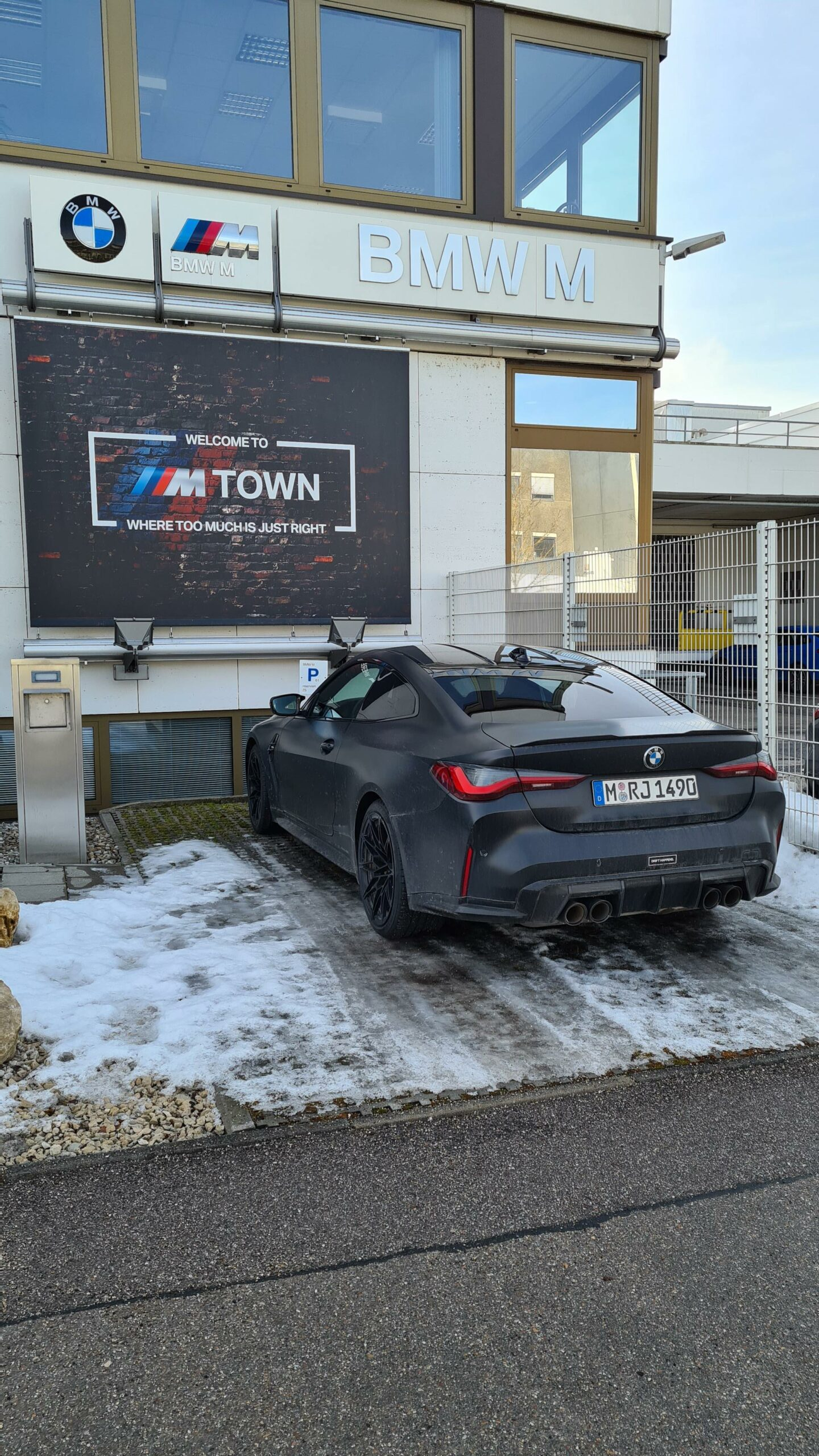 bmw m4 g82 frozen black 01 scaled