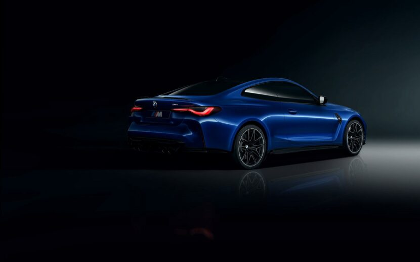 2021 BMW M4 Blu San Marino 04 830x519