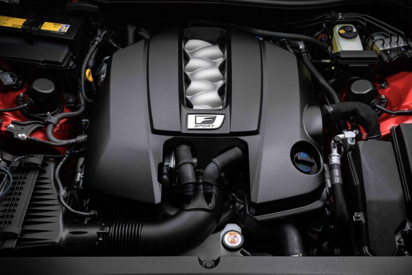 Lexus IS500 2 of 4 830x553