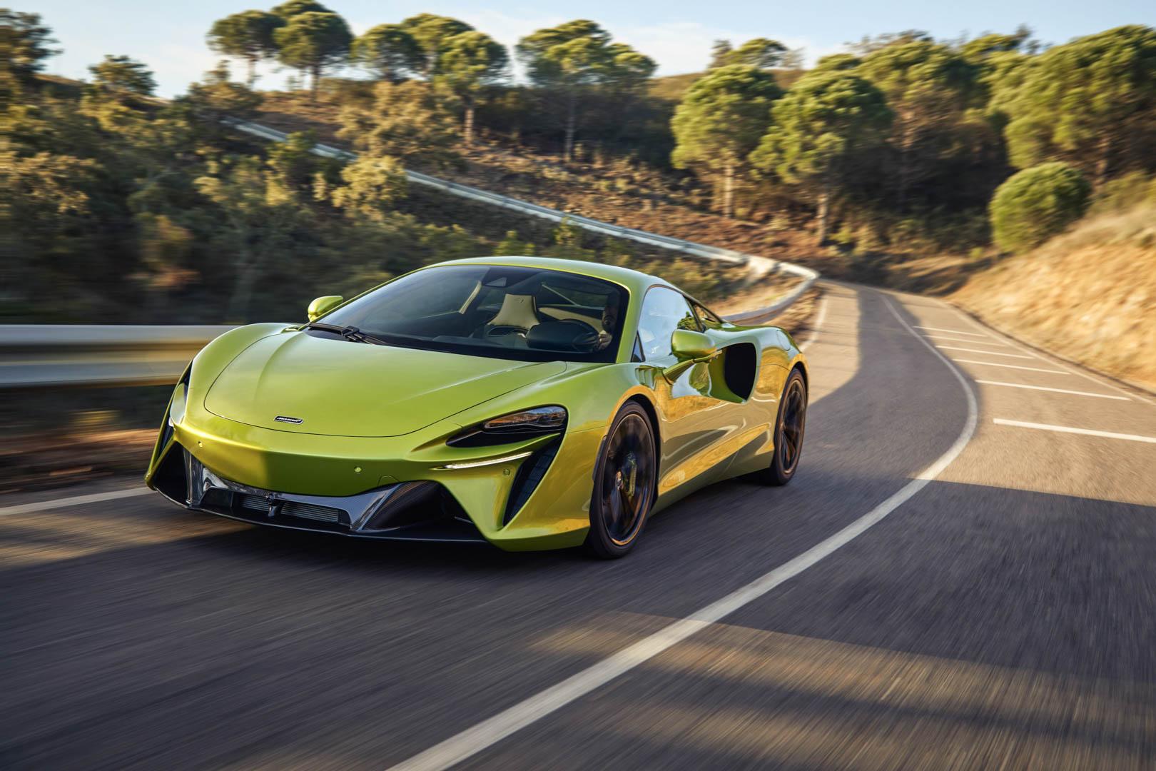 McLaren Artura 4
