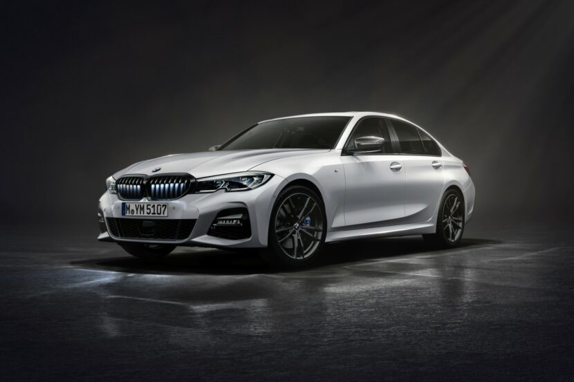 The New BMW 330i Iconic Edition in Mineral White metallic 1 830x553