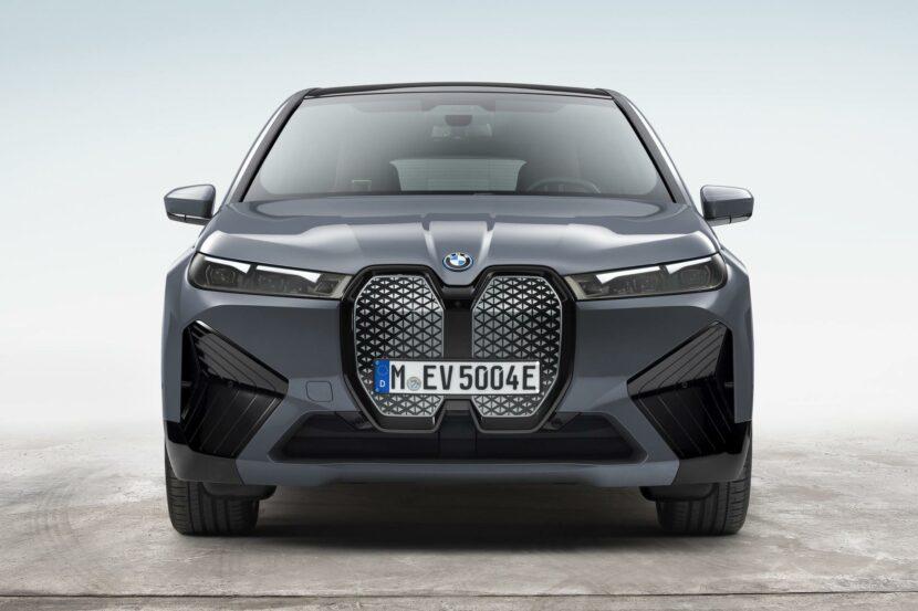 BMW iX xDrive50 10 830x553