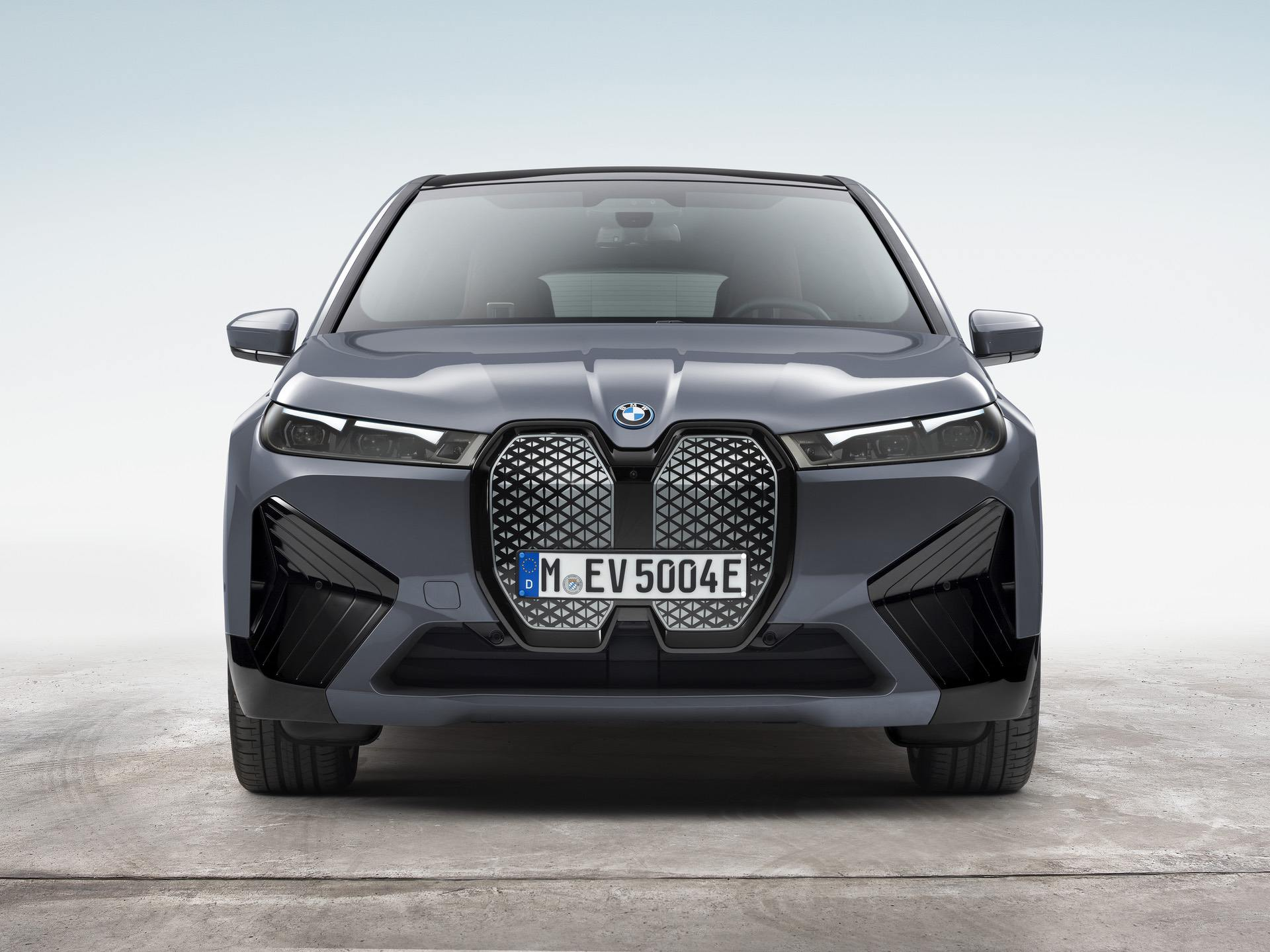 BMW iX xDrive50 10